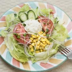 ポテトサラダとコーンのサラダ
